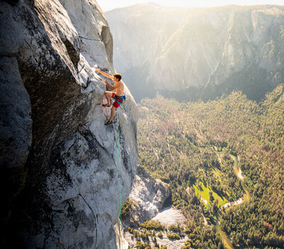 """Reel Rock 14: Alex Honnold climbs """"The Nose"""" in Yosemite National Park"""