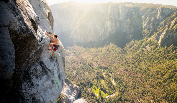 "Reel Rock 14: Alex Honnold climbs ""The Nose"" in Yosemite National Park"